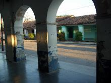 Corredor de la casa de Doña Delfina Ernult de Nivon, visto desde el portal de la familia Algarín
