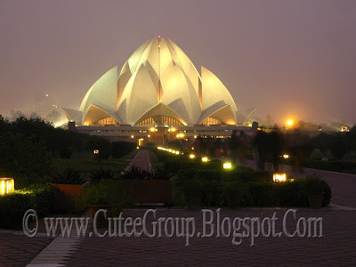 Lotus  Temple (  Delhi ,  India )