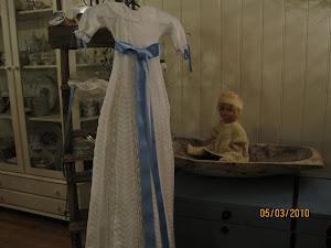 Dåpskjole jeg har strikket i kunststrikk