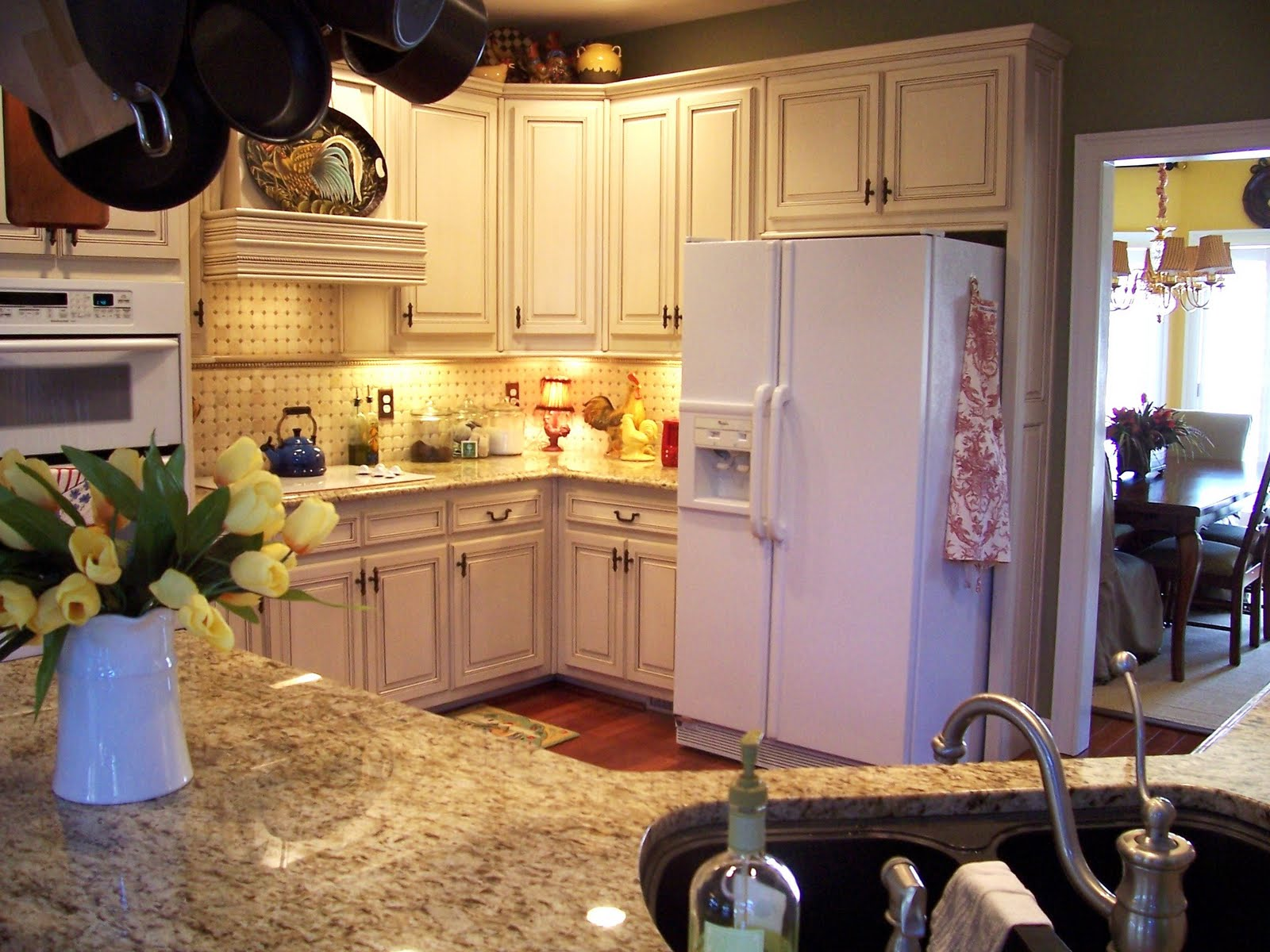 Savvy southern style my french country inspired kitchen for Southern style kitchen ideas
