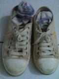 3. Sepatu kets