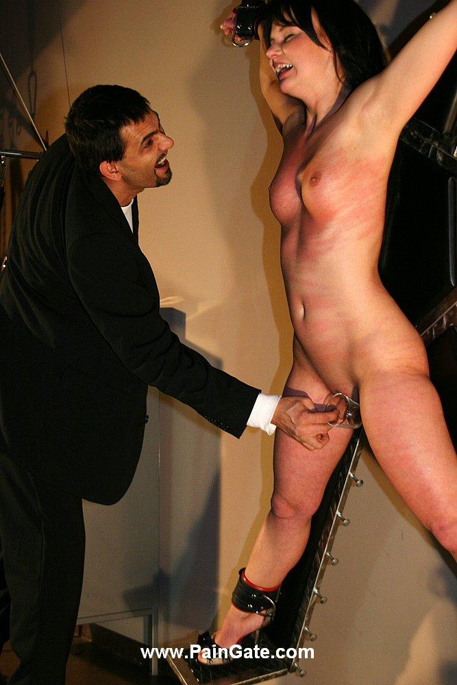 nudist pain blog