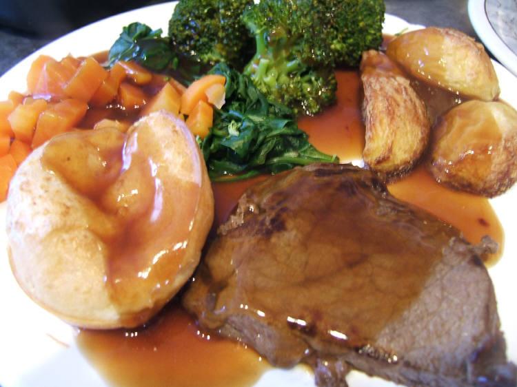 http://4.bp.blogspot.com/_n4G-30q7xuE/TL7NEjySx8I/AAAAAAAAFeE/1uzEGaNhAX0/s1600/Apr+25+beef+roast+dinner.JPG