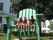 I LIKE THIS BIG CHAIR!!!