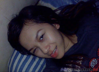 Foto Sexy Aura Kasih Bangun Tidur