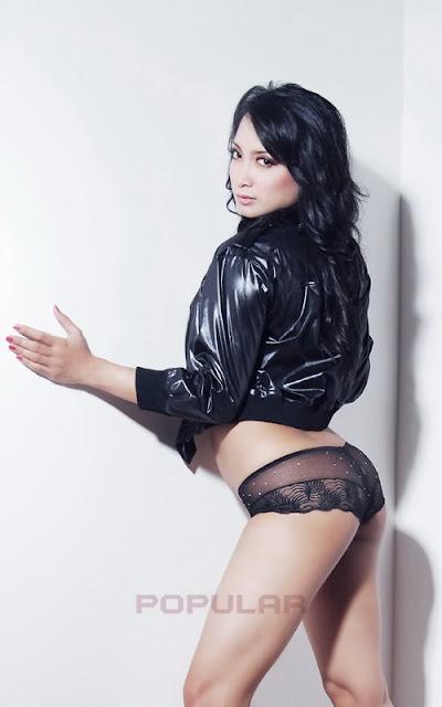Foto Hot Sexy Ika Putri di Majalah Popular 2013
