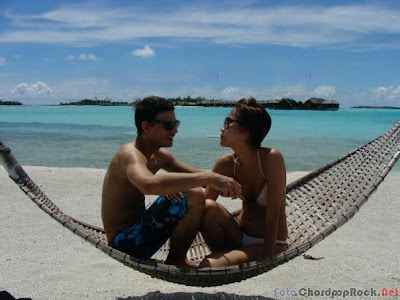 Foto Bunga Citra Lestari (BCL) and Ashraf di Pantai Bali