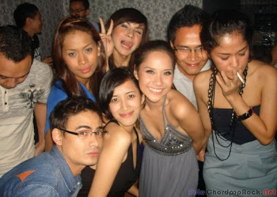 Kumpulan Foto Bunga Citra Lestari BCL Di tempat Karaoke
