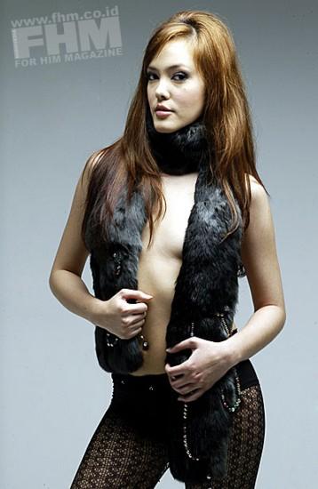 Foto Cathy di FHM Magazine