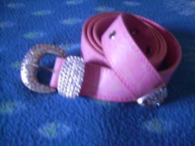 Curea roz cu pietricele(nefolosita)-12ron(vanduta)