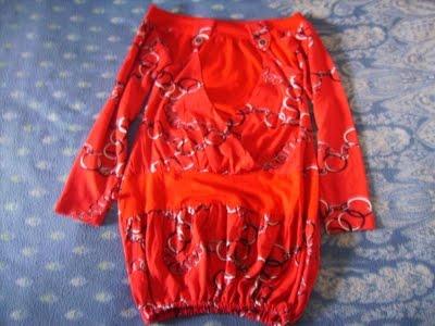 Bluza rosie(imbracata o singura data,poate fi folosita cu colanti,dar si cu dres,marimea S)-25ron