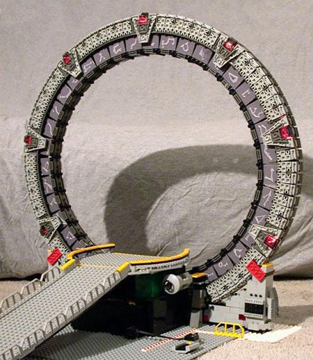 Una «Stargate» particular, compuesta por piezas de «Lego»