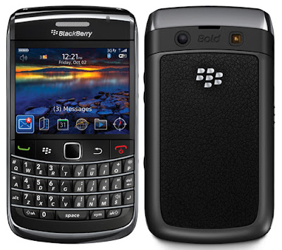 BlackBerry Bold 9700 front and back view