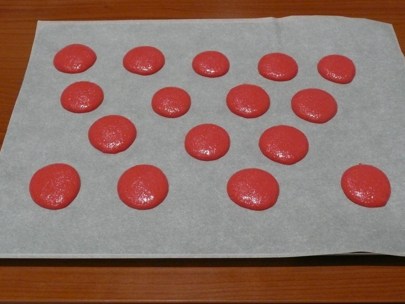 Gossip cakes spotted a d voile tous les secrets de ses macarons framboise - Couler une douille ...