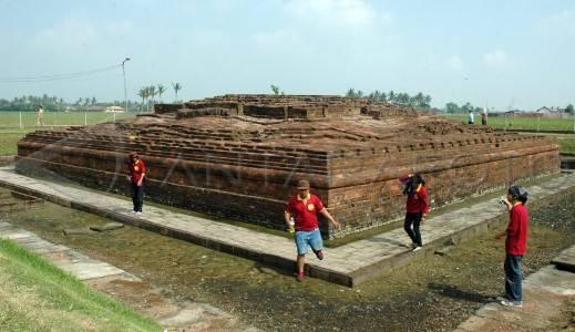 Candi Jiwa situs Batujaya