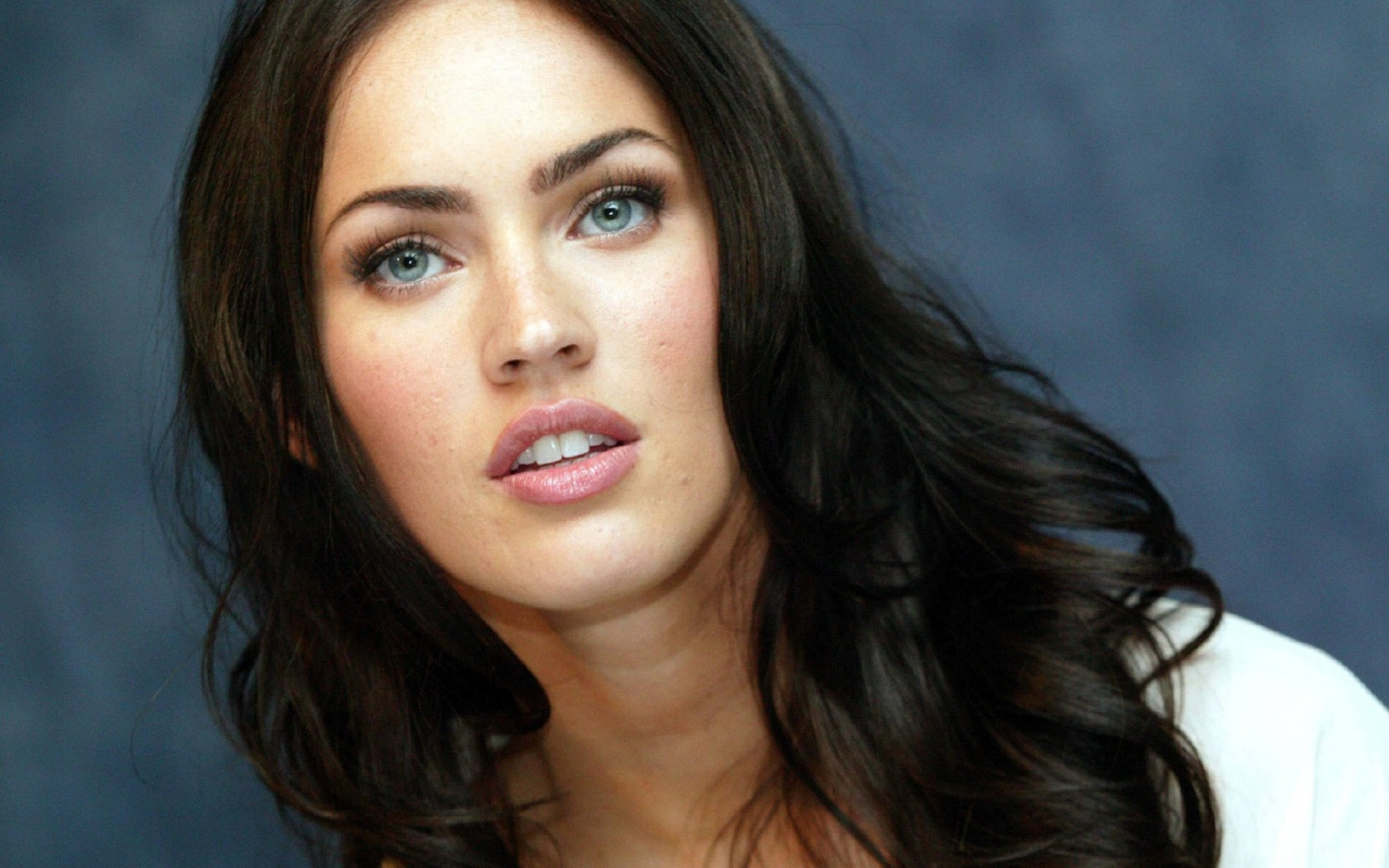 Celebrities with Black Hair and Blue Eyes