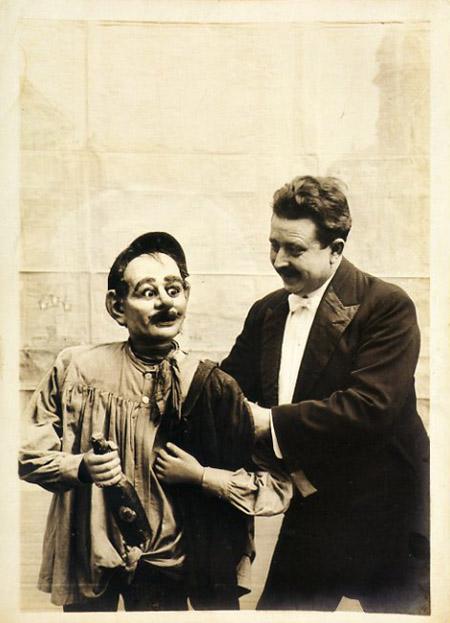 Las máscaras colágenas para la persona con gialuronovoy por el ácido