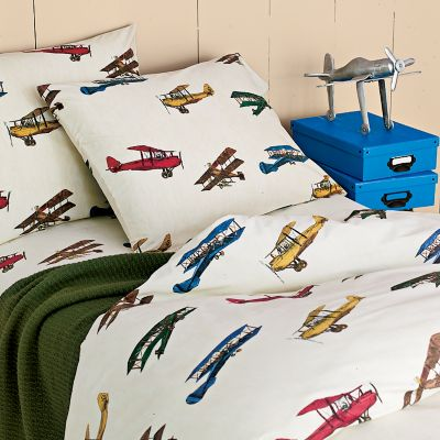 By megs ideas for tucker 39 s big boy airplane room for Airplane bedroom ideas