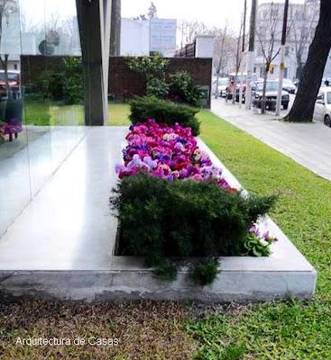 Flores de jardines en edificio
