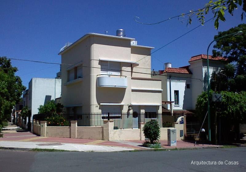 Arquitectura de casas casa moderna restaurada for Casas contemporaneas en esquina
