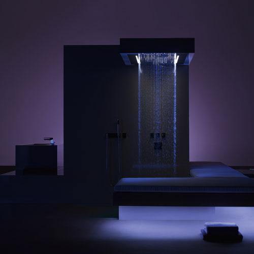 Baño de diseño avanzado con ducha vertical