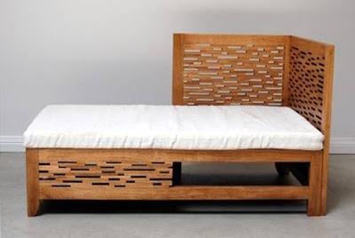 Sofá de madera asiento y cama de día