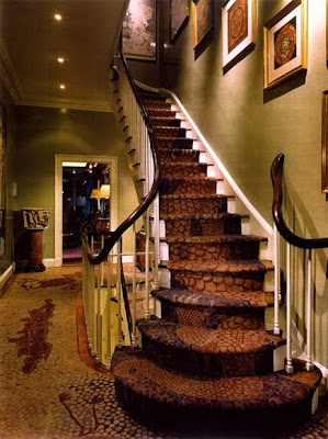 Escalones con alfombra