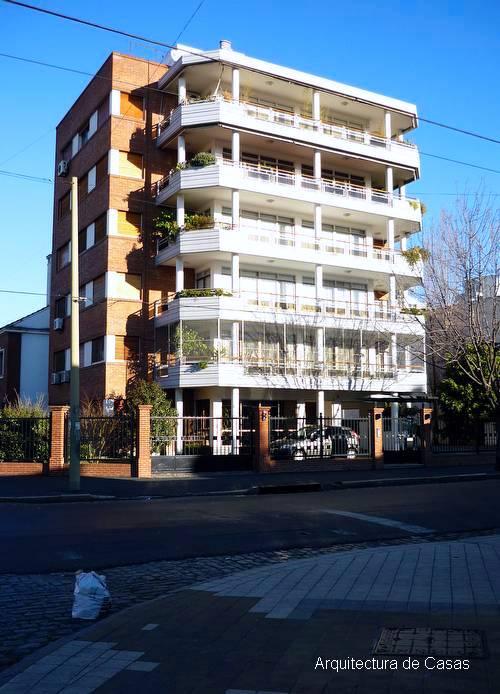 Balcones terraza en edificio residencial de alto estándar