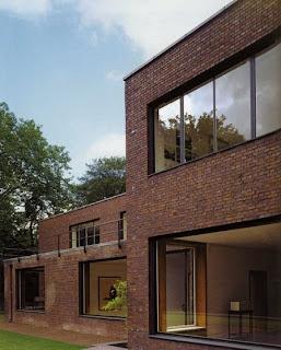 Arquitectura de casas dos casas de estilo moderno hechas for Casa moderna ladrillo
