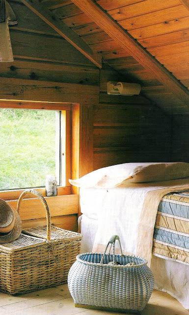 Atico de la cabaña de madera