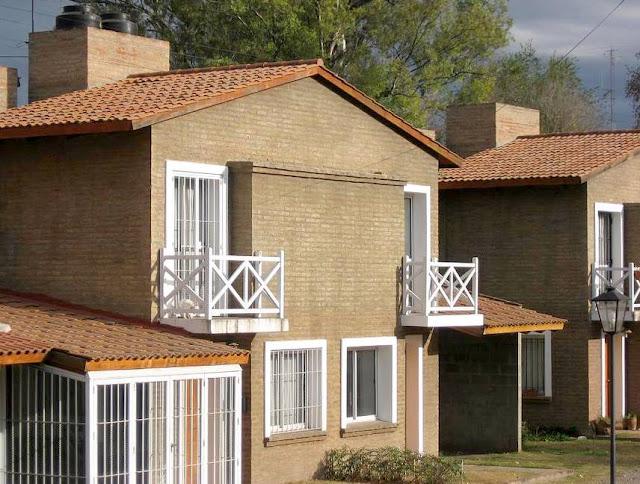 arquitectura de casas casas peque as d plex tipo chal