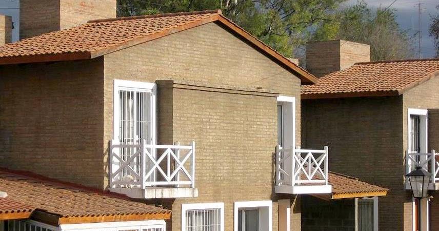 Arquitectura de casas casas peque as d plex tipo chal for Arquitectura casas pequenas