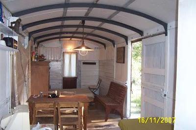 Interior de una casa vagón