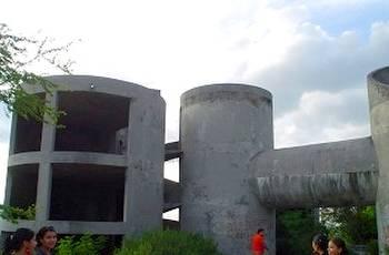 Casa de los tubos en Monterrey México