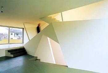 Arquitectura austríaca - interior de una casa contemporánea - escalera