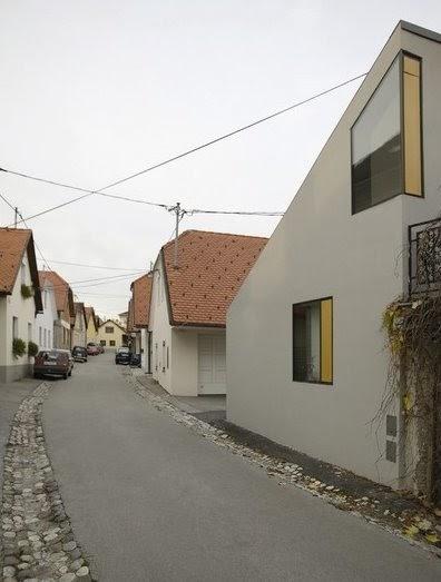 Arquitectura de casas casa peque a vacacional en eslovenia for Arquitectura casas pequenas