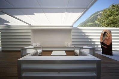 Patio exterior de una residencia remodelada en Italia