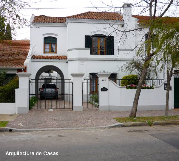 Arquitectura de Casas: Casa urbana de estilo Colonial español en ...