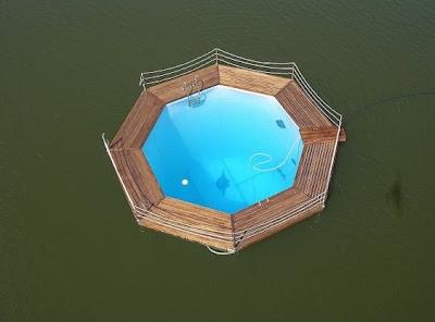 Unidad flotante piscina