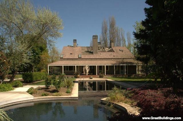 Fondos de amplia casa norteamericana en California