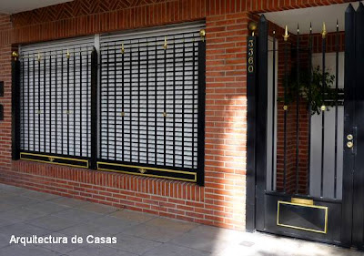 Ventanas con rejas