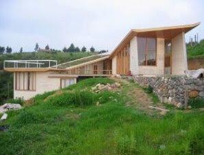 Perfil de la casa cabaña de madera contemporánea
