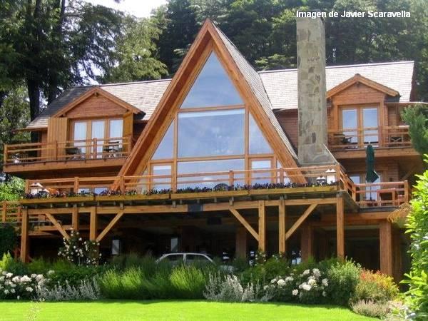 Arquitectura de casas casas de madera en bariloche for Casas chalet modernas