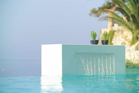 Cascada piscina exterior