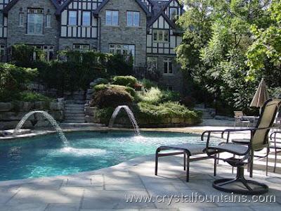 Arquitectura de casas fuentes originales para piscinas - Fuentes para piscinas ...