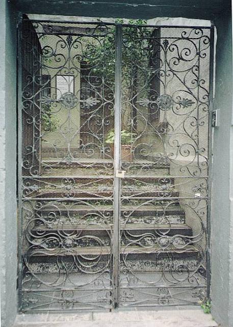 Puerta reja hierro forjado