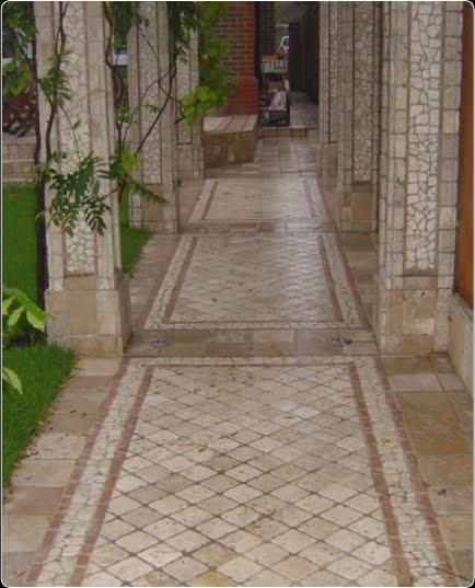arquitectura de casas mosaico soler a en patio y jard n