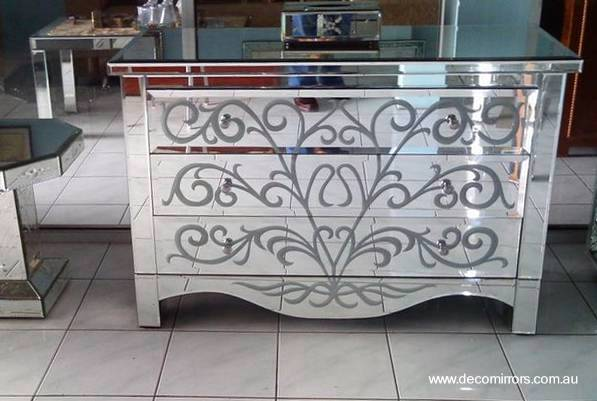 Arquitectura de casas muebles del hogar decorados con for Muebles de espejo