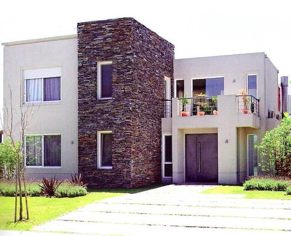 arquitectura de casas fachadas recubiertas con piedra laja