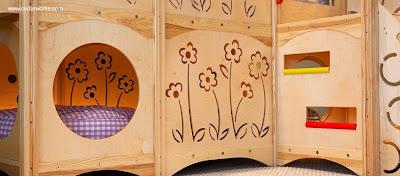 Detalle de mueble infantil en cedro